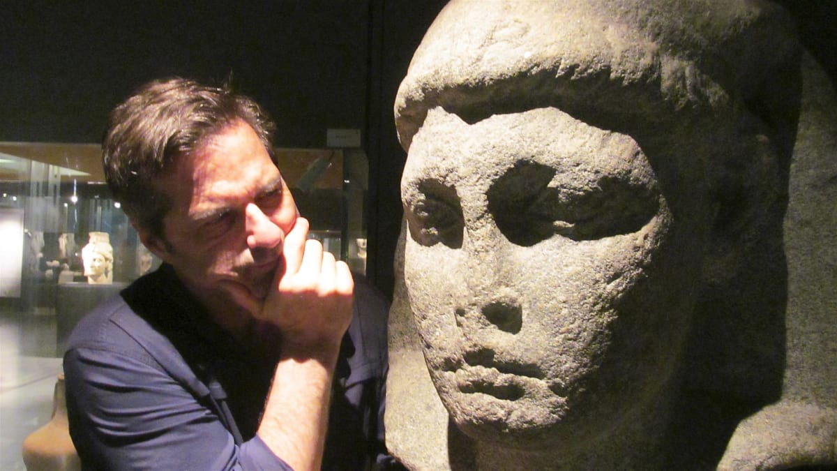 Don Wildman travels to Alexandria, Egypt, to search for Cleopatra's tomb.